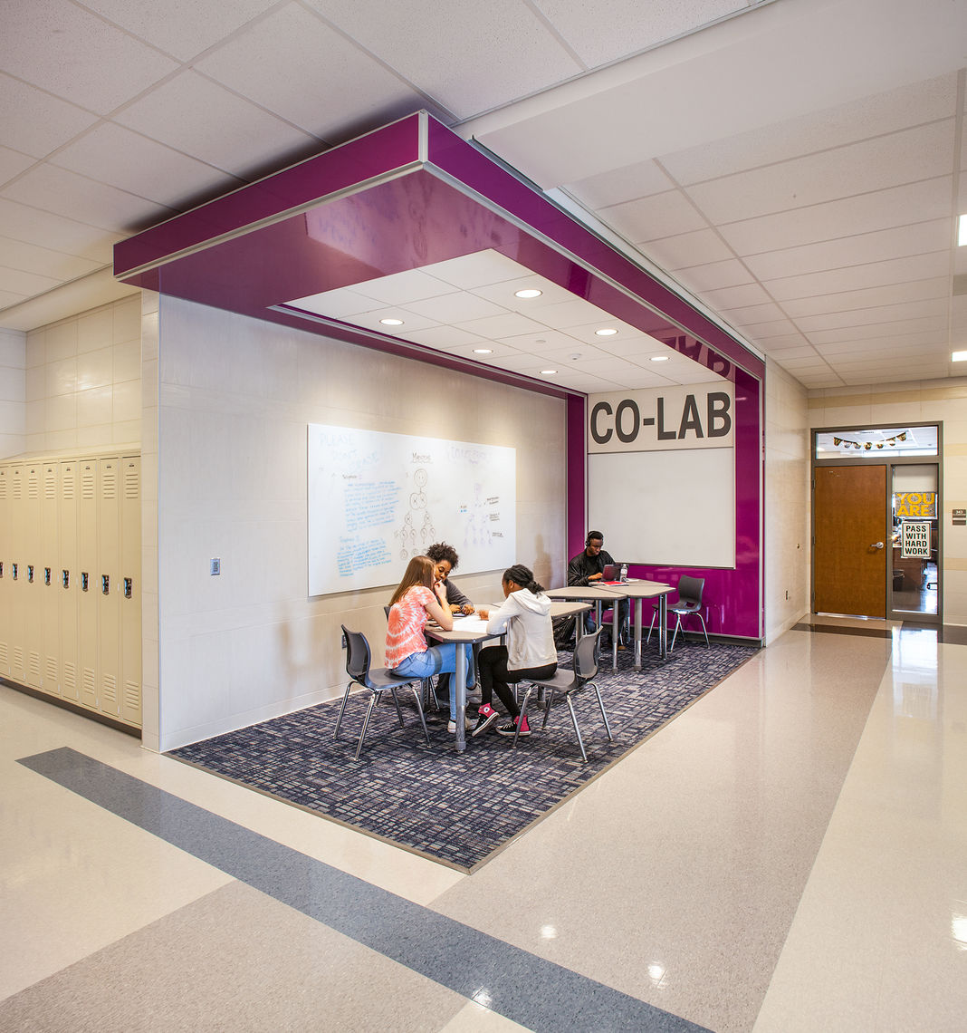 Collaboration Labs: Open and informal group learning spaces for up to 10 people that facilitate project-based learning and collaboration.